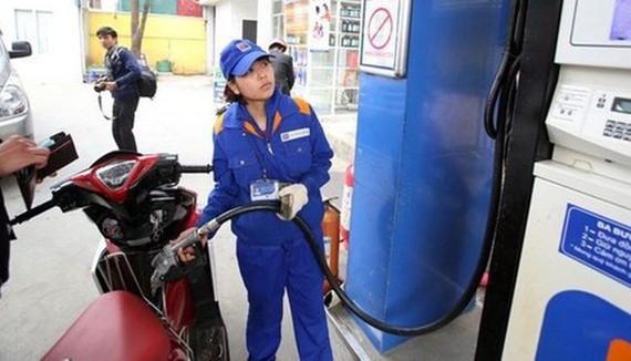 """Giá điện, xăng tăng liên tục nhưng """"CPI vẫn thấp nhất 3 năm qua"""""""