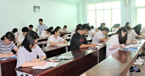 Thí sinh tham dự kỳ thi ĐGNL đợt 2 do ĐH Quốc gia TPHCM tổ chức ngày 7-7