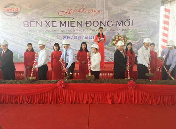 The groundbreaking ceremony of new Mien Dong coach station in District 9, HCMC on April 26 (Photo: SGGP)