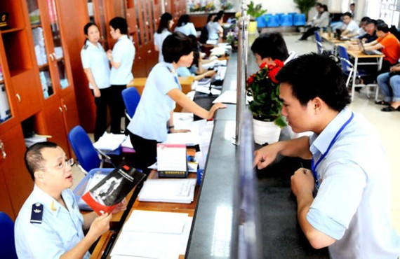 Businesses do customs declaration at HCMC's Customs Division Zone 1-Cat Lai (Photo: SGGP)