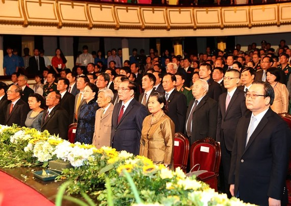 A grand ceremony is held at the Hanoi Opera House in the capital city of Vietnam on Saturday to celebrate the 50th founding anniversary of Vietnam-Cambodia diplomatic relations (June 24, 1967). (Photo: VNA/VNS)