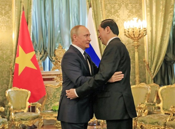 President Tran Dai Quang meets with Russian President Vladimir Putin in Moscow on Thursday. (Photo: VNA/VNS)