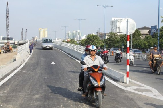 Branch N2 of Nguyen Tri Phuong bridge was opened to traffic on August 30 (Photo: SGGP)