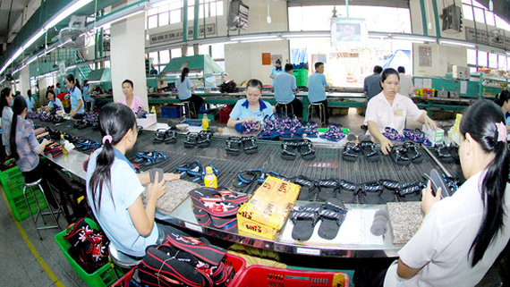 Footwear is one of commodities reaching the export turnover of over $1 billion in the first month of 2018 (Photo: SGGP)