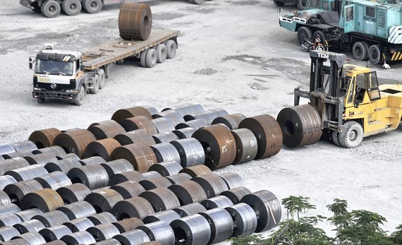 Steel at a seaport in District 7, HCMC (Photo: SGGP)