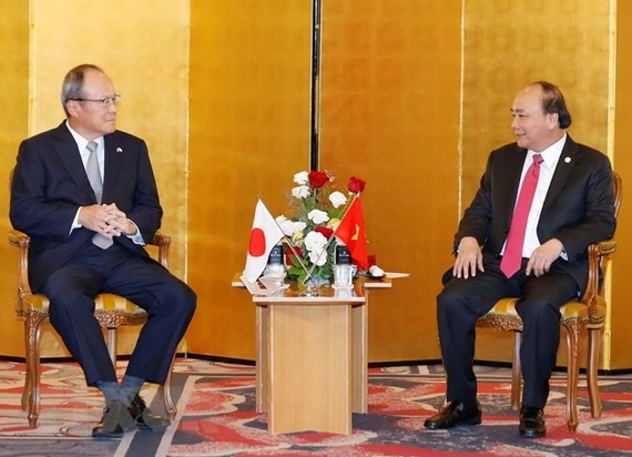 Prime Minister Nguyen Xuan Phuc has encouraged Japanese businesses to become strategic partners with Vietnam's State-owned enterprises (SOEs), especially in industrial infrastructure construction. VNA/VNS Photo