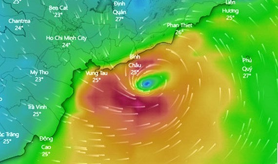 Typhoon Usagi is forecast to make landfall in the area from Ba Ria-Vung Tau province and HCMC this morning