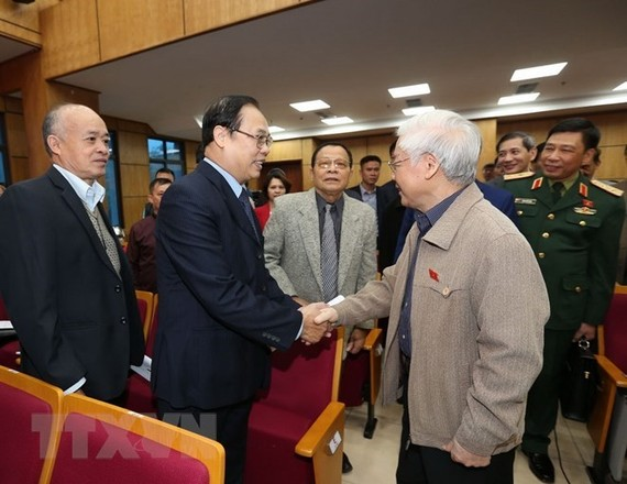 Party General Secretary and President Nguyen Phu Trong on November 24 met with voters in Hanoi's Ba Dinh, Tay Ho and Hoan Kiem districts. (Photo: VNA)