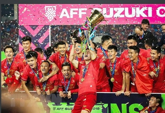The national men's football team win AFF Suzuki Cup after a decade (Source: VNA)
