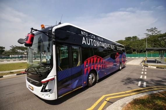 The autonomous electric bus made by Volvo Buses and Nanyang Technological University (NTU) of Singapore (Photo: www.straitstimes.com)