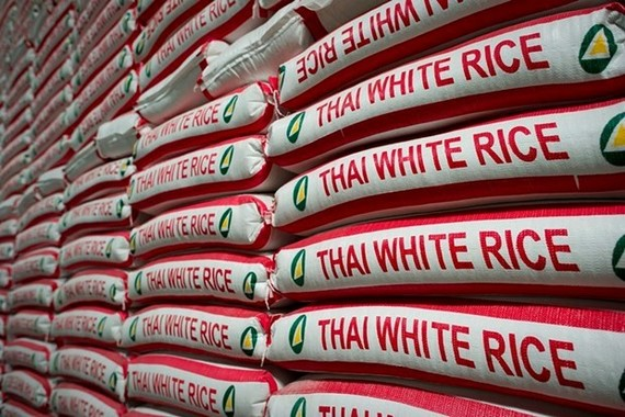 Rice bags stocked up at a factory in Bangkok, Thailand (Photo: AFP/VNA)