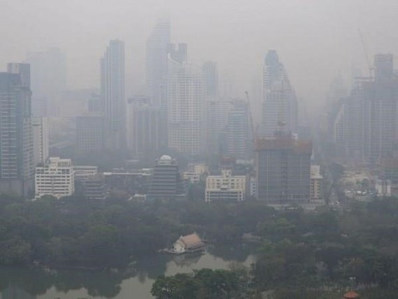 Many provinces in northern Thailand on March 31 reported disastrous levels of smog, which pose a threat to public health. (Source: Reuters)
