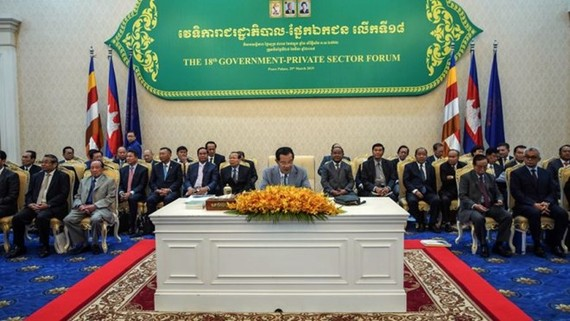 Prime Minister Hun Sen speaks at the 18th Government-Private Sector Forum on March 29 (Source: phnompenhpost.com)