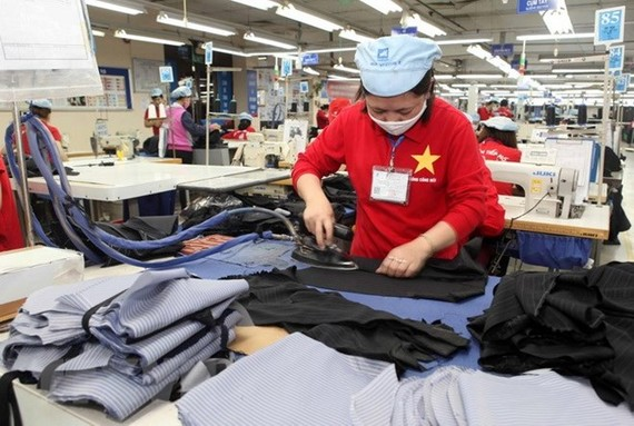 Garment and textile exporters benefit a lot from the CPTPP. (Photo: VNA)