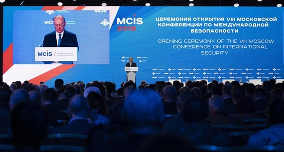 Secretary of Russia's Security Council Nikolai Patrushev reads out President Vladimir Putin's greetings to the 8th Moscow Conference on International Security on April 24 (Photo: VNA)