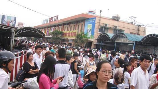 Passegers at Mien Tay coach station (Photo: SGGP)