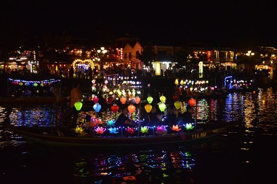 The Hoai river in Hoi An ancient town at night (Photo: SGGP)