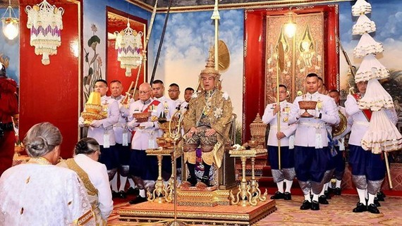 Thai King Maha Vajiralongkorn Bodindradebayavarangkun is crowned as 10th King of the Chakri dynasty. (Photo: CGTN)