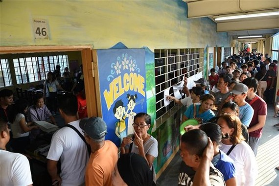 Filipinos are heading to polling stations on May 13 for the 2019 midterm elections (Photo: AFP/VNA)