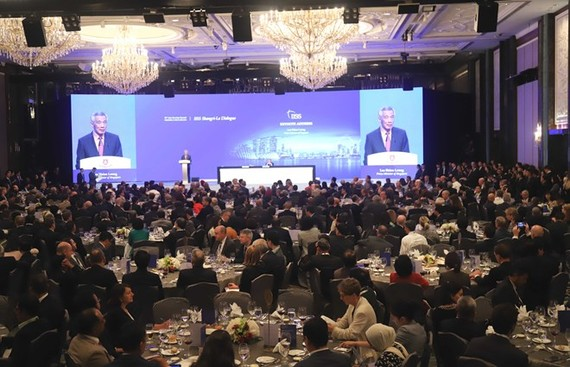 Singaporean Prime Minister Lee Hsien Loong deliver his opening speech at the 18th Shangri-La Dialogue (Photo: VNA)