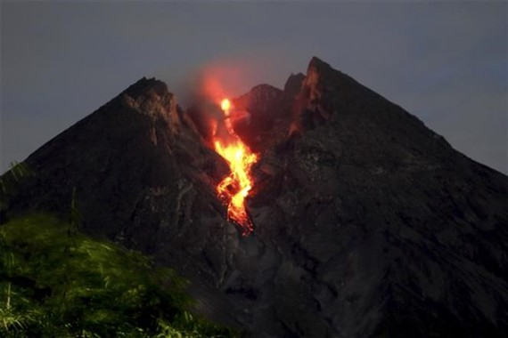 Mount Merapi in Indonesia emitted lava in March 2019 (Photo: Xinhua/VNA)