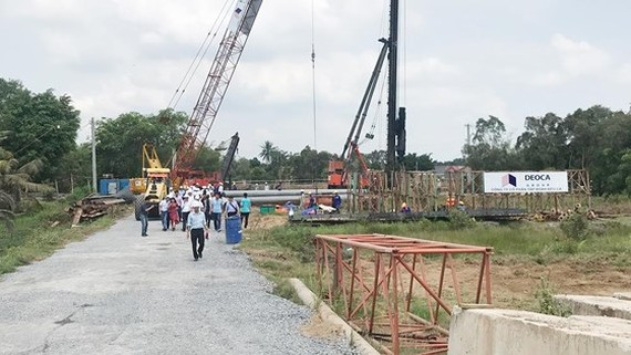 Ministry of Transport checking construction progress of Trung Luong - My Thuan Expressway project. Photo: QUOC HUNG
