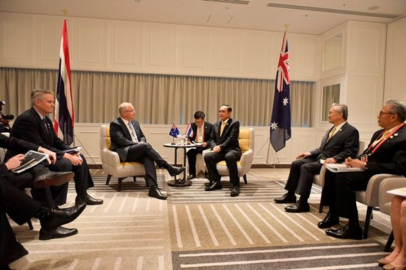 Prime Minister Prayut Chan-o-cha and Australian Prime Minister Scott Morrison hold talks on the sidelines of the G20 summit in Osaka. (Photo from @MFAThai Twitter account)