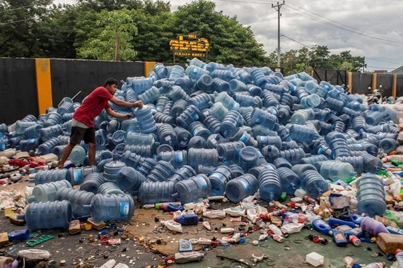 A plastic waste dumping site in Palu, Central Sulawesi province of Indonesia, on July 18, 2019 (Photo: AFP/VNA)