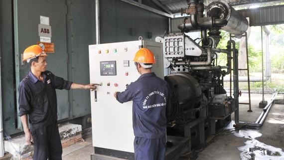 Phát điện cung ứng năng lượng sạch cho TPHCM từ rác thải tại bãi rác Gò Cát. Ảnh: CAO THĂNG