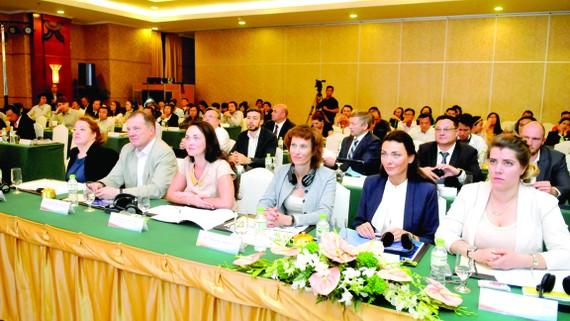"""Đại biểu tham dự Hội thảo """"Tiềm năng hợp tác giữa TP Saint Petersburg và TPHCM"""". Ảnh: CAO THĂNG"""