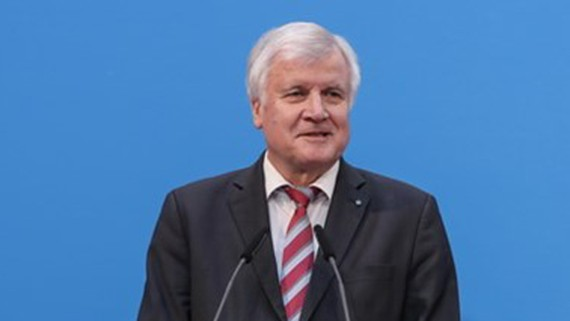 Bộ trưởng Nội vụ Đức Horst Seehofer
