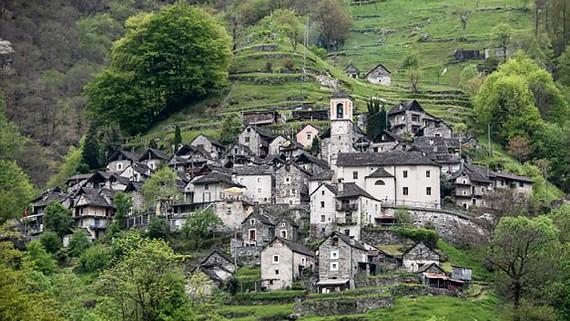 Làng nhỏ nhất Thụy Sĩ thành tổ hợp khách sạn