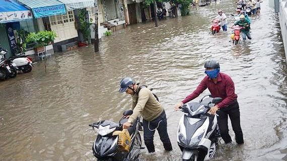 Một số khu vực đô thị, cứ mưa đến là ngập