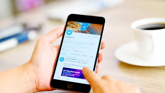 Tòa án Pháp yêu cầu Twitter điều chỉnh