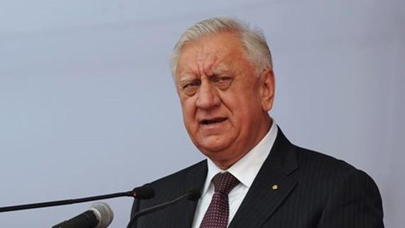 Thủ tướng Belarus Mikhail Myasnikovich bị cách chức. Ảnh: Reuters