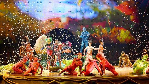 Cirque du Soleil sản xuất chương trình về Messi