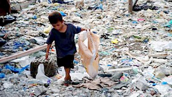 Gần một nửa dân số thế giới sống dưới 5,5 USD/ngày