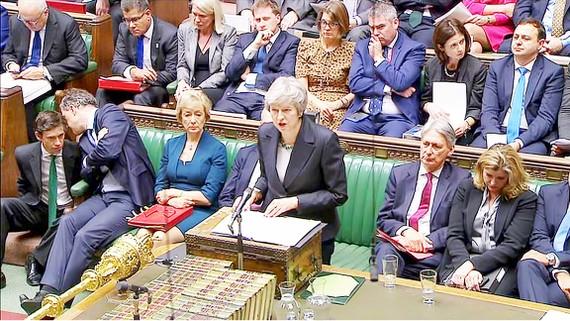 Điều gì đang chờ đợi Thủ tướng Anh Theresa May?