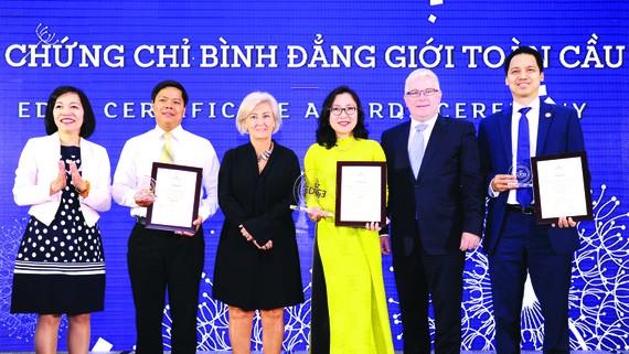 Diễn đàn doanh nghiệp Việt Nam: Xóa bỏ rào cản để quản trị & phát triển nguồn nhân lực hiệu quả