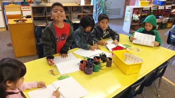 Một lớp học song ngữ Anh - Việt ở Westminster, bang California, Mỹ