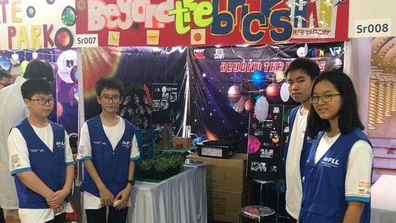 Đội tuyển Robotics của Trường THCS Huỳnh Khương Ninh (quận 1, TPHCM)
