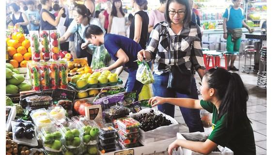 Trái cây và thực phẩm thuần Việt thắng thế