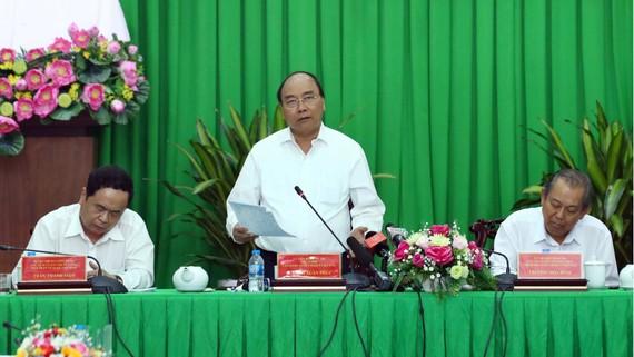 Thủ tướng Nguyễn Xuân Phúc phát biểu kết luận tại buổi làm việc.  Ảnh:  TTXVN