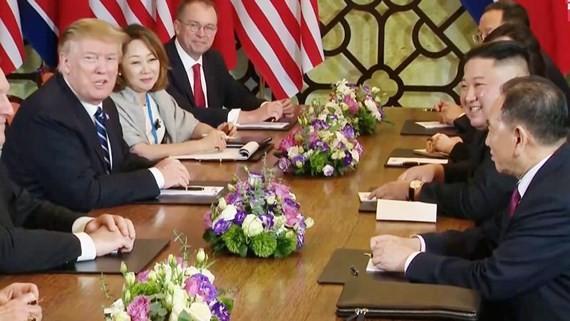 Hai nhà lãnh đạo Mỹ và Triều Tiên trong cuộc hội đàm mở rộng ngày 28-2