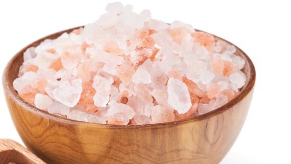 Muối hồng Himalaya rao bán trên các trang mạng