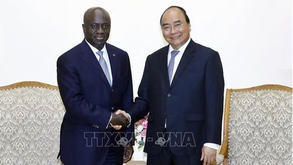 Thủ tướng Nguyễn Xuân Phúc tiếp ông Marcel Amon Tanoh, Bộ trưởng Ngoại giao Bờ Biển Ngà. Ảnh: Thống Nhất/TTXVN