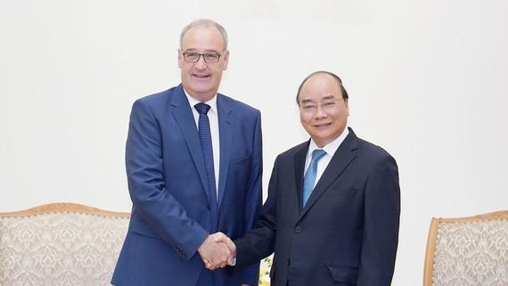 Thủ tướng tiếp Ủy viên Hội đồng Liên bang, Bộ trưởng Kinh tế, Giáo dục và Nghiên cứu Liên bang Thụy Sĩ Guy Parmelin - Ảnh: VGP/Quang Hiếu