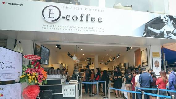 Ra mắt hệ thống cửa hàng E-Coffee