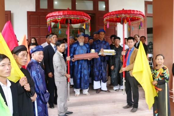 Đón rước sắc phong quý hiếm về làng La Ỷ và Quý Lộc