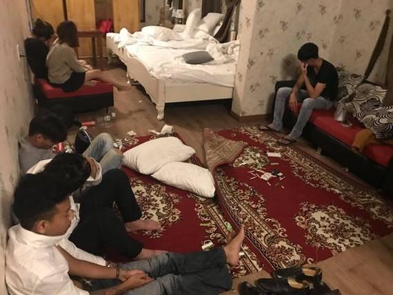 Phát hiện 18 thanh niên nam, nữ đang phê ma túy tại khách sạn